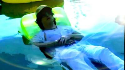 Joji sinking in pool | Zenovia | Digital Drawing | PENUP
