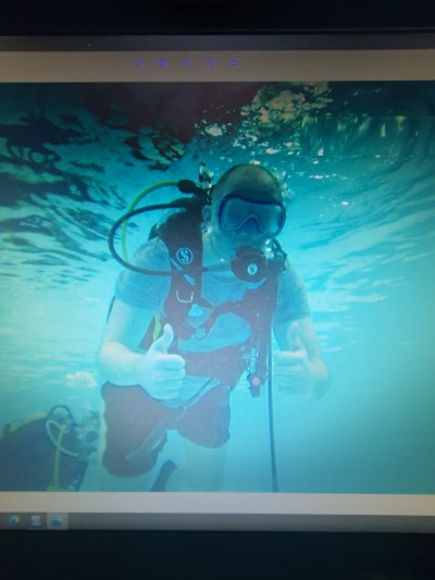 xx me diving xx | Alfonzo | Digital Drawing | PENUP